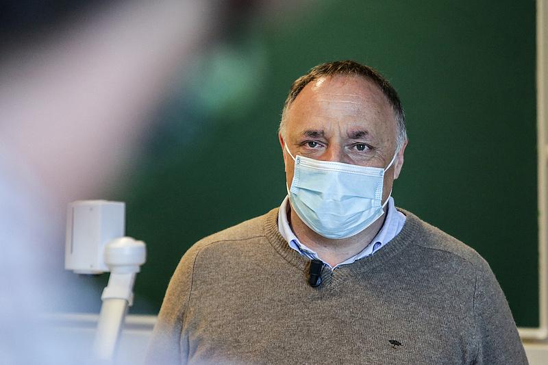 Nem csak Müller Cecília van veszélyben, mesterlövész vadászik a belga fővirológusra