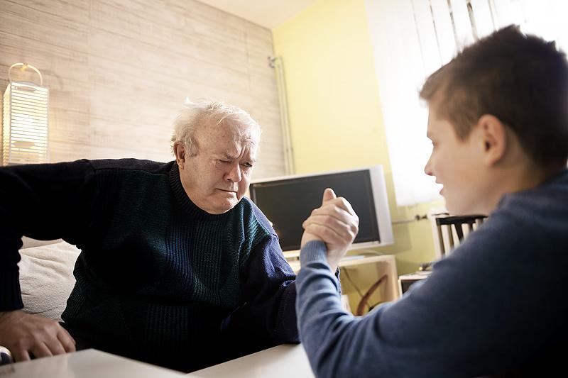 A nyugdjrendszer jövője: csökkenhetnek a nyugdíjak