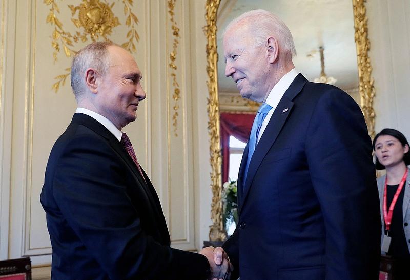 Putyint tisztelnie kell a Nyugatnak! Figyelmeztetés érkezett