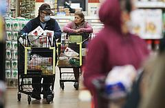 Betámadták a szupermarketeket, trükközéssel vádolják a láncokat