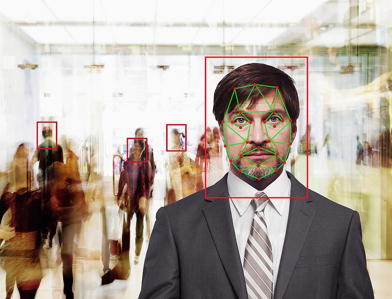Betiltatnák a mesterséges intelligencián alapuló megfigyelést az unióban