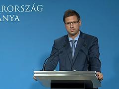Gulyás Gergely bejelentette az új maszkszabályt