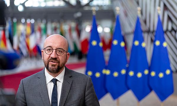 Csúcsra járatják az EU és Kína barátkozását