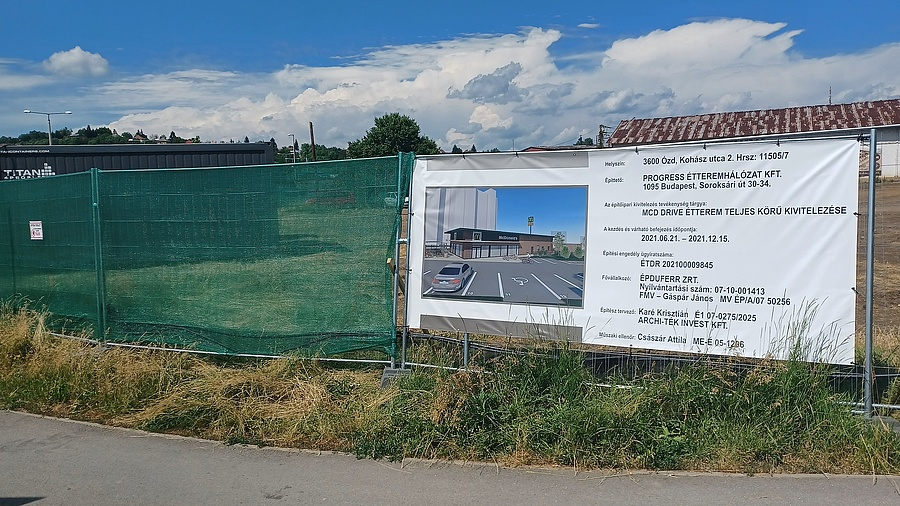 A McDonald's építési területe Ózdon.