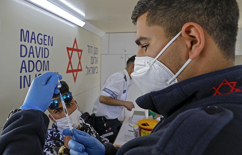 Izrael 1 millió darab Pfizer-vakcina kukázására készül