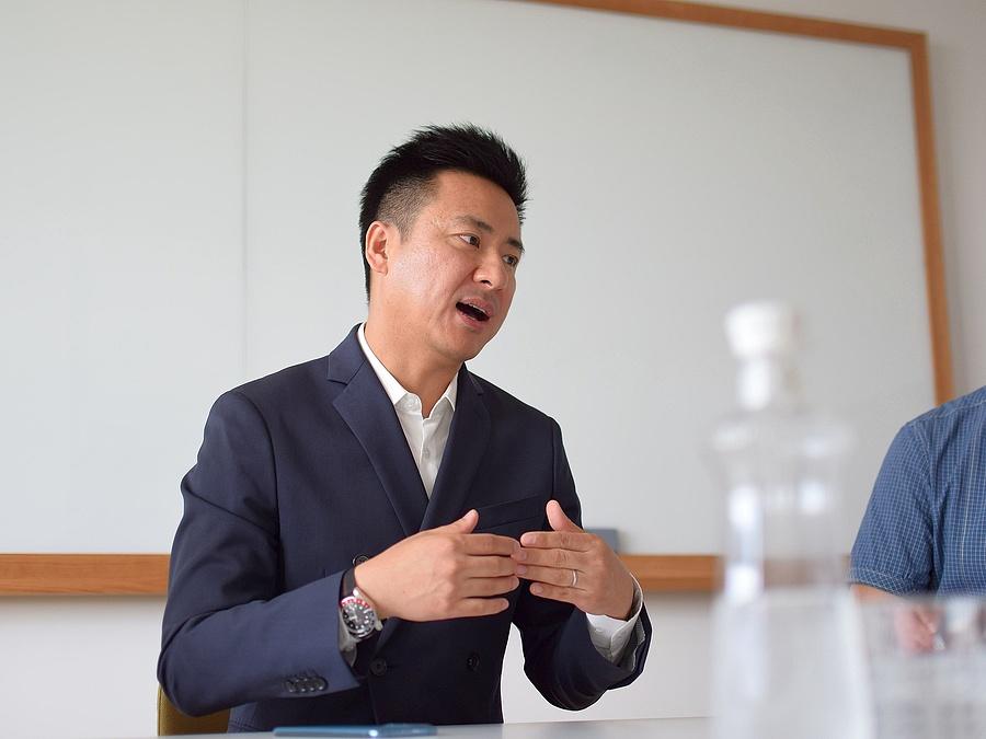 Johnny Zhang, az Oppo regionális elnök-vezérigazgatója