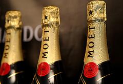 Putyin kisajátítaná a champagne-t
