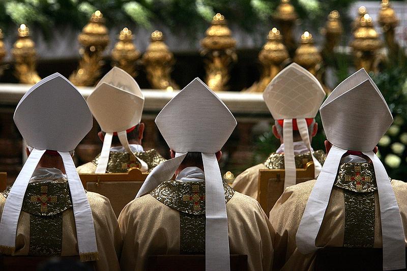 Pénzmosási és sikkasztási botrány robbant ki a Vatikánban