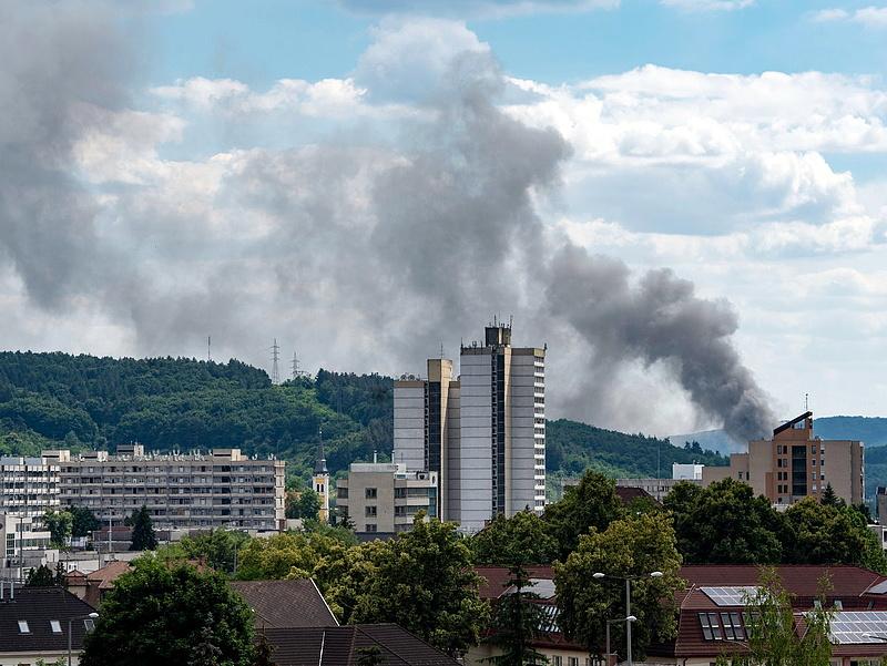 Tűz ütött ki egy MÉH-telepen Salgótarjánban