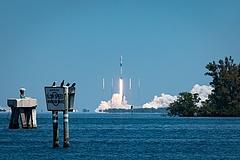 Decemberben vihet embert az űrbe a Boeing