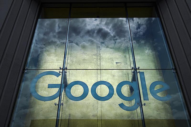 Harminchat USA-tagállam beperelte a Google-t