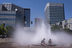 Lehetlennek tűnő hőhullám okozta százak halálát, hamar jöhet az újabb