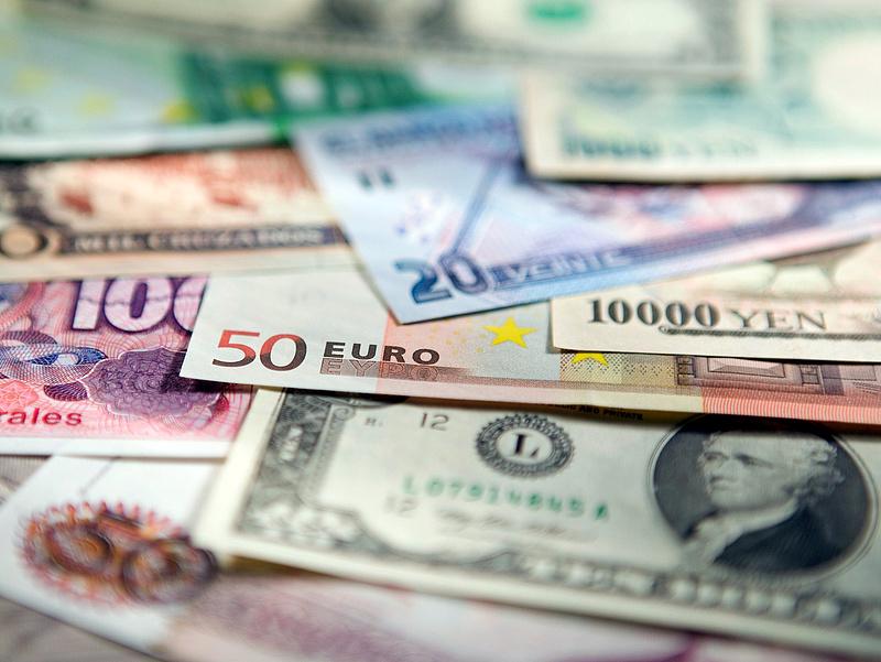 Az euró mellett a lengyelek többsége