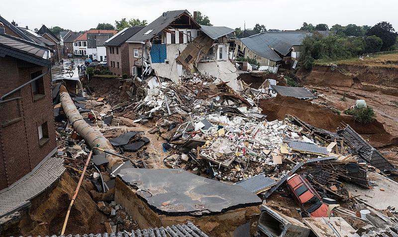 Németországi áradások: 100 fölé emelkedett a halálos áldozatok száma