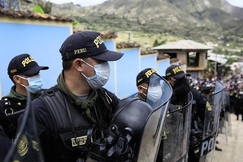 Peruban a rendőrség a fertőzés legnagyobb kockázata