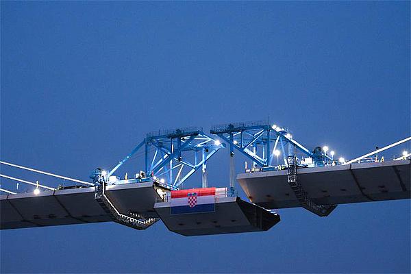 Átadták a Peljesac-hidat