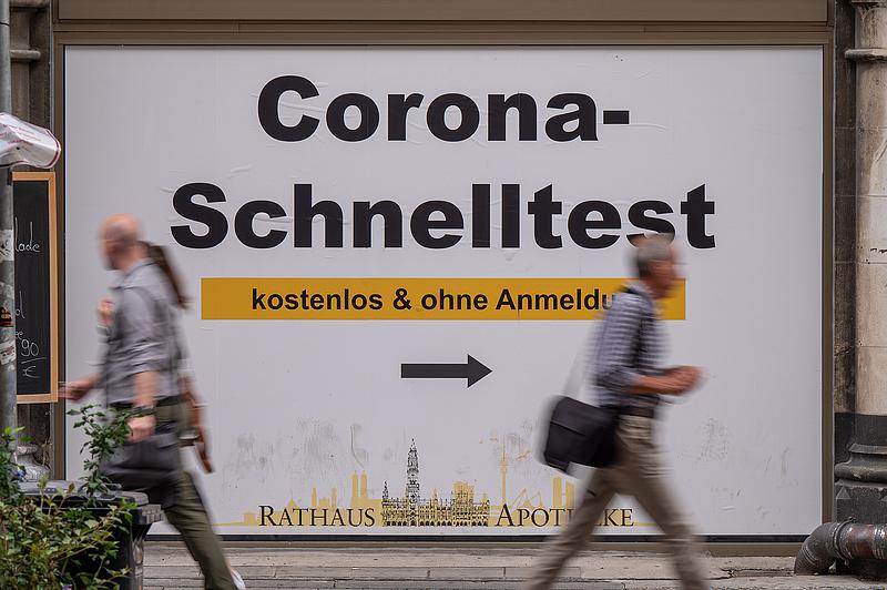Merkel: a delta miatt gyorsítani kell az oltási kampányt