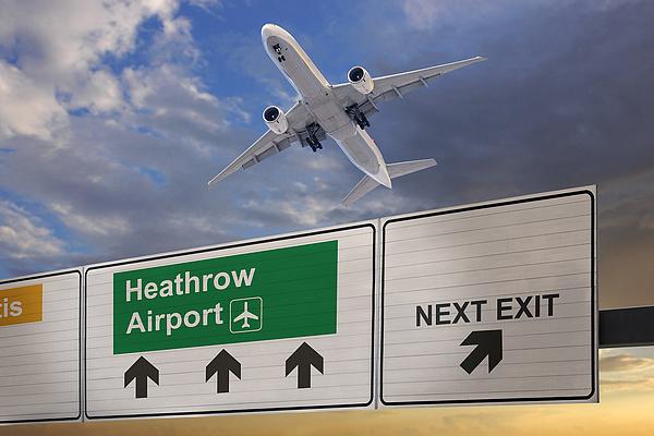 Kemény világ jön a Heathrow reptéren: aki autóval közelít, már fizet