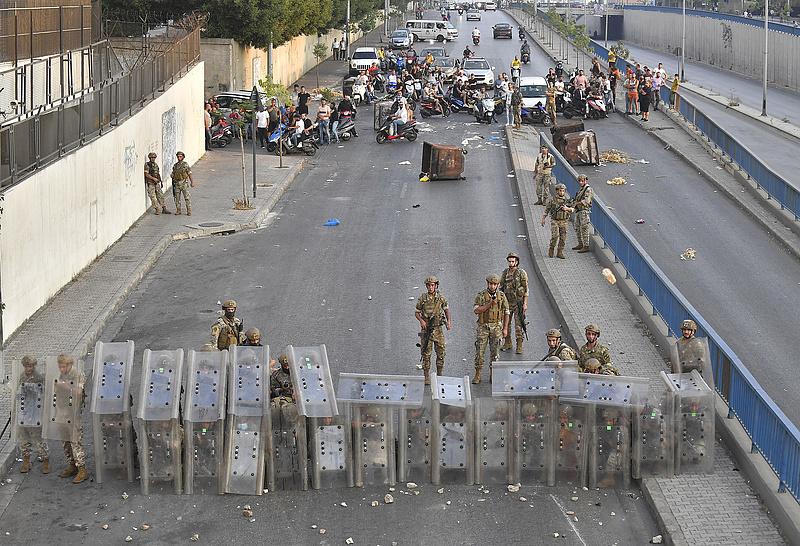 Libanonra is szankciókat vethet ki az EU