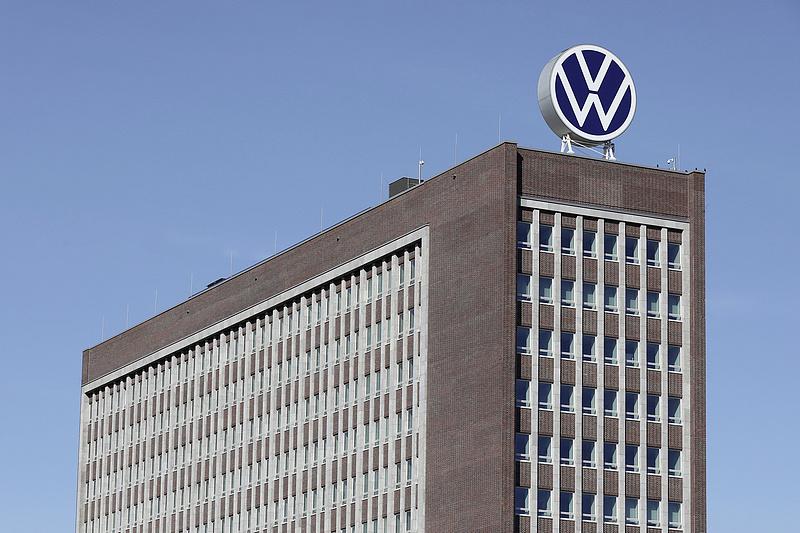 Lelépteti a kéziváltót a Volkswagen
