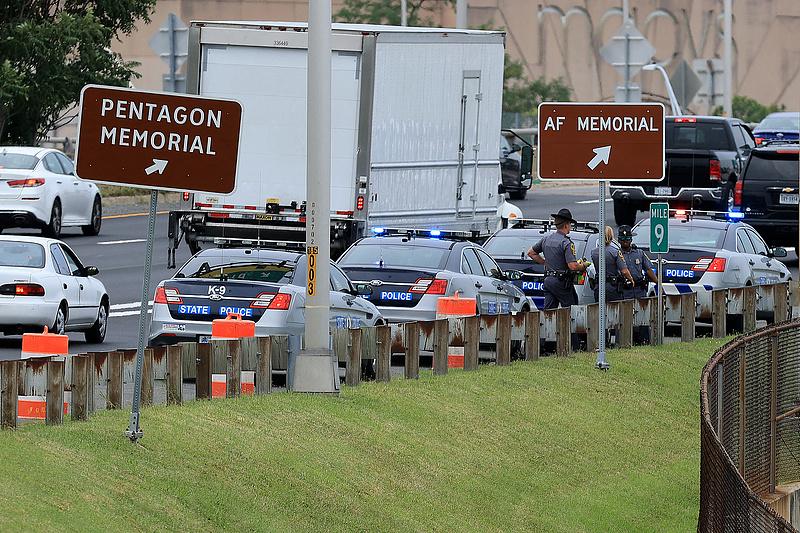 Lövöldözés miatt lezárták a Pentagon épületét (frissített)