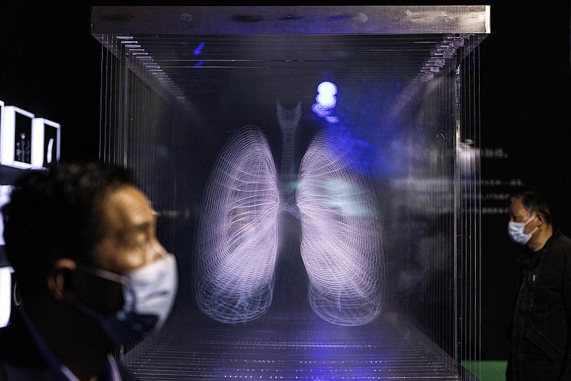Koronavírus: tovább tarol a járvány