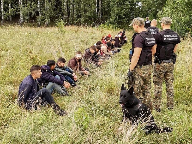 Lengyelország ellen is bevetették a bevándorlófegyvert