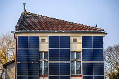 Olyan tempóban telepítik a lengyel napelemet, hogy rendre felülírják a prognózisokat