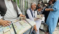 Összeomlóban az afganisztáni fizetőeszköz árfolyama