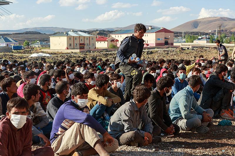 Az afgán válság miatt nő a menedékkérők száma Romániában, Európát elkerülheti a hullám