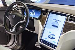 Szintet lép a Tesla, új korszak jöhet az önvezető autóknál