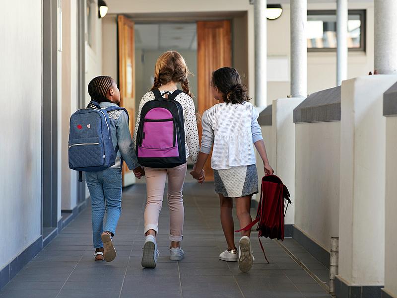 Koszovóban nem nyithatnak ki időben az iskolák