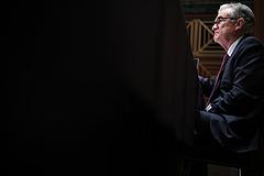 A tőzsdék örültek a Fed üzenetének, a kritikusok nem