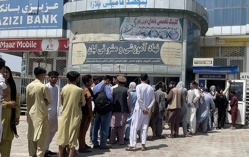 Ellentmondó nyilatkozatok a kormánytól az afgán menekültekről