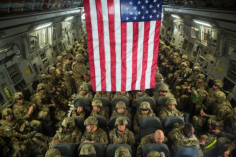 Megindult az amerikaiak teljes kivonulása Kabulból