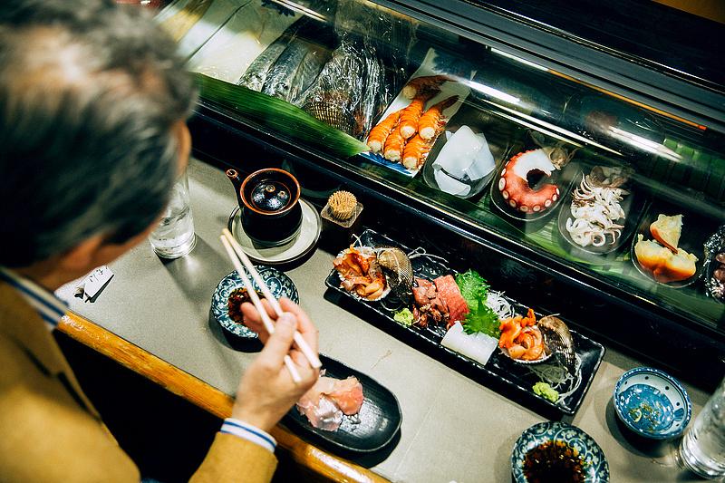 Sushi éttermek vették fel a harcot az orosz nácikkal