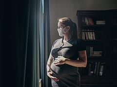 Gyerekvállalás, szoptatás vs. Covid-vakcinák, az összes kérdésre választ kaphat