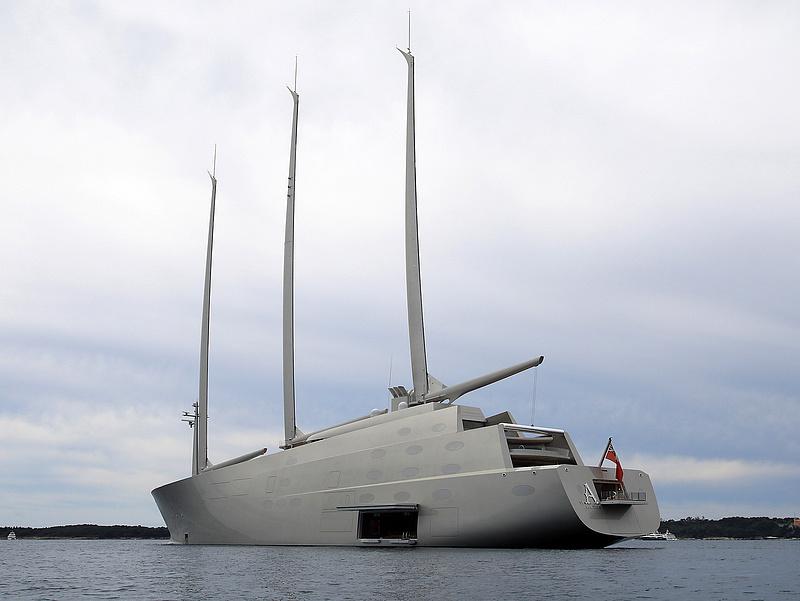 Egy 150 milliárd forint értékű jacht állt be Split kikötőjébe