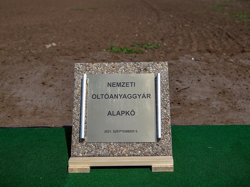 Letették a debreceni oltóanyaggyár alapkövét – Napi.hu