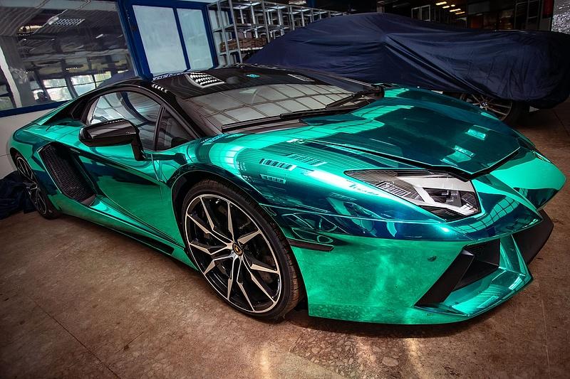 Eladó Lamborghini, Bentley és Porsche a NAV-nál