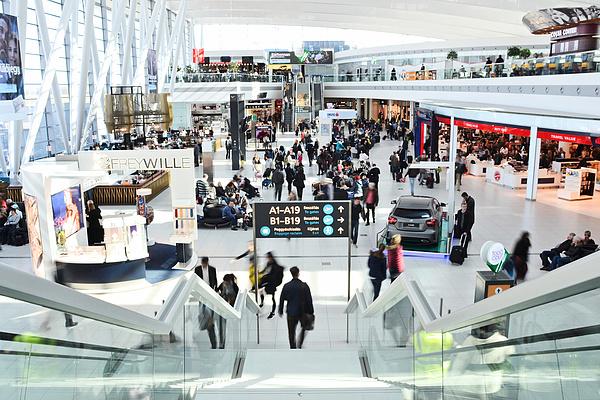 Tizenöt év alatt visszajöhet a Budapest Airport 1,6 billiós vételára