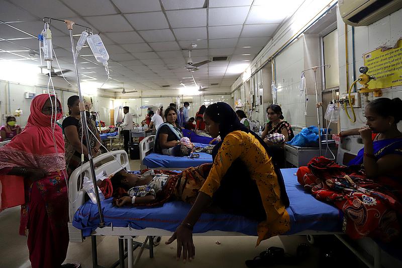Koronavírus: több mint 10 ezer új áldozat egy nap alatt
