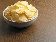 Svájcban sem fenékig tejfel az élet, most chipshiány léphet fel
