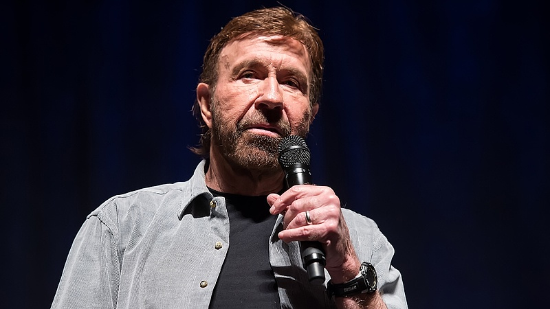 Chuck Norrisra a világ legnehezebb dolga vár, de megoldja