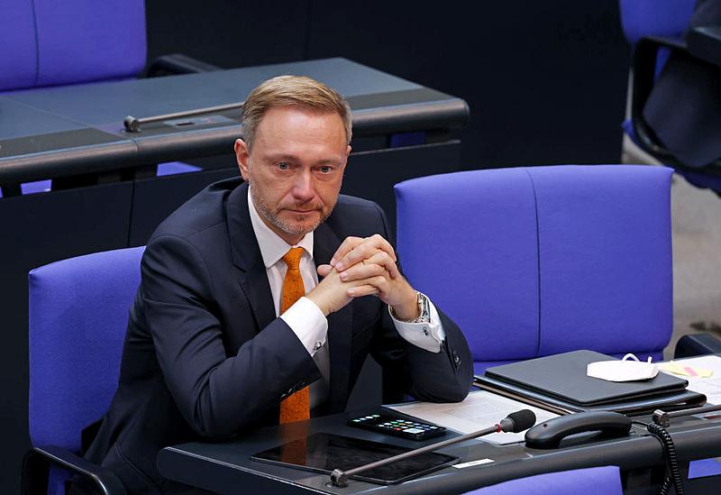 Reszkess Dél- és Kelet-Európa, extra szigorú német kormány jöhet!