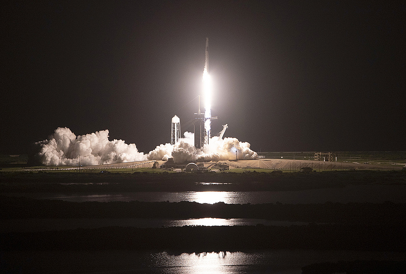 A SpaceX is betört az űrturizmusba