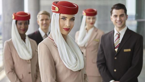 Beindult az Emirates: 3000 légiutas-kísérőt és 500 reptéri alkalmazottat vesz fel