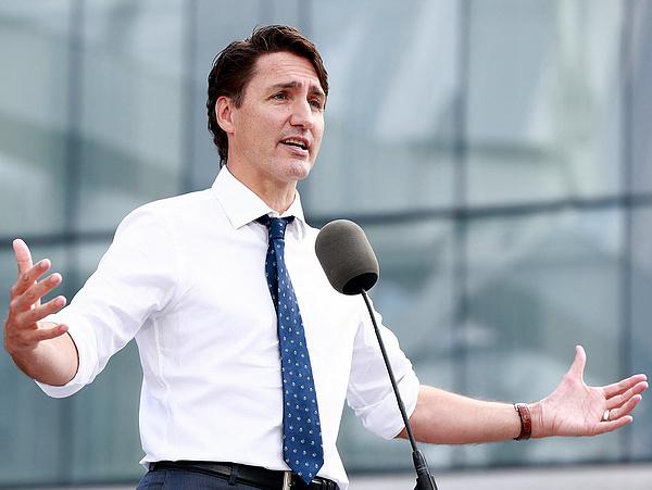 Fej-fej mellett a kormány és az ellenzék Kanadában