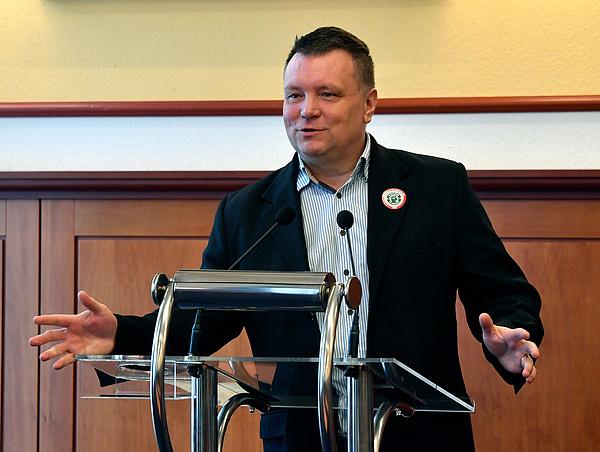 Lemondott a Magyar Szakszervezeti Szövetség elnöke