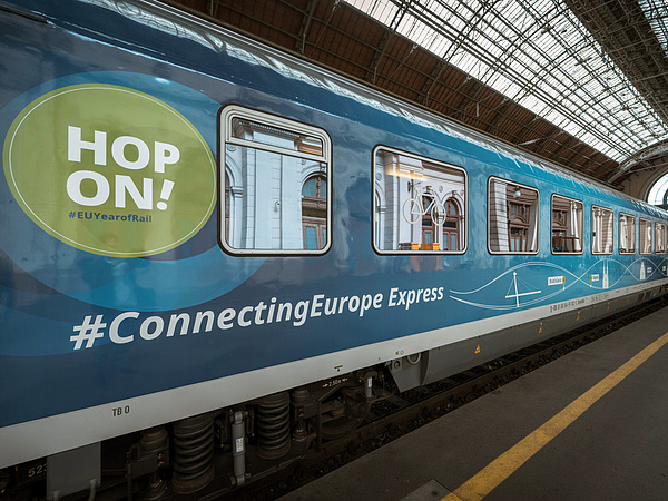 Befutott az európai expressz Budapestre